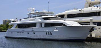 MY Triple Attraction - 100' Hatteras