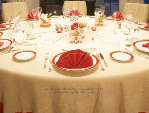 5. Tablecloths & Napkins